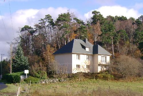 Mooie vrijstaande villa woonhuis incl. gastenverblijf in