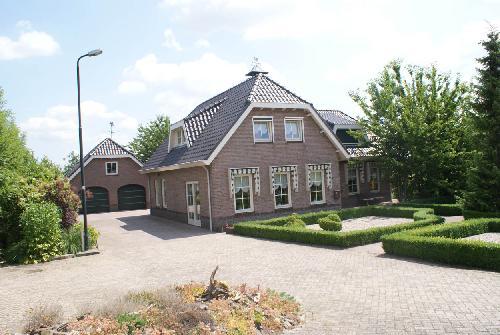 Villa kopen in gelderland nederland for Dubbele bewoning boerderij