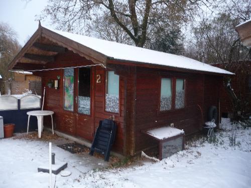 Houten chalet 6x4 red cedar hout 7 cm - Chalet ontwikkeling ...