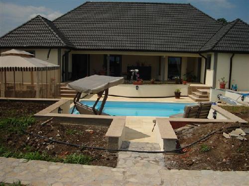 Te koop villa met zwembad 600000 for Te koop inbouw zwembad