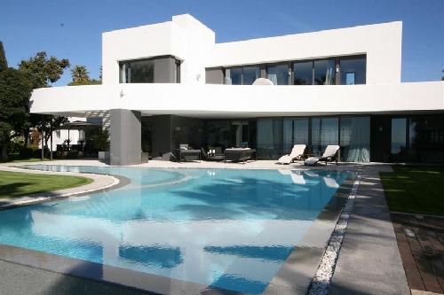 moderne strand villa marbella te koop spanje 9000000