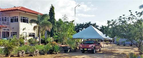luxe vrijstaande villa aan de suriname rivier met prive