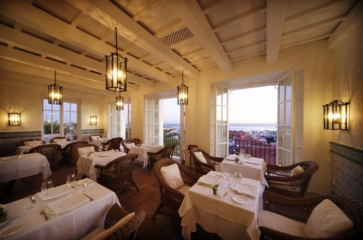 Hotel kopen in fuengirola costa del sol spanje for Decoracion de restaurantes rusticos