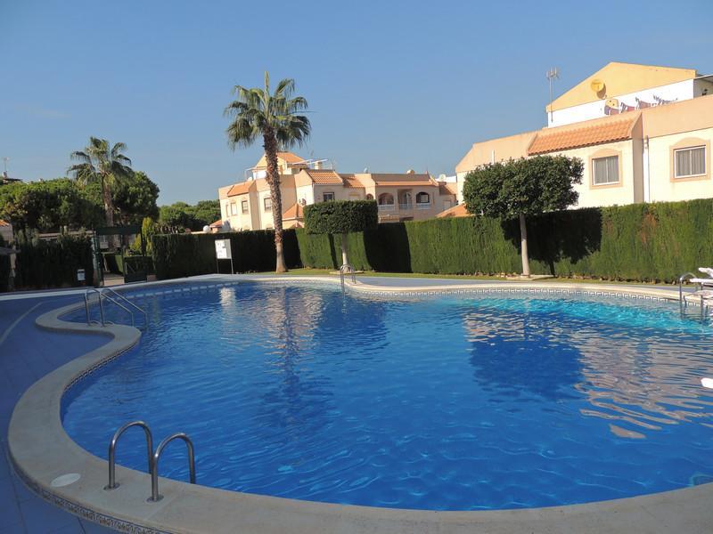 Zwembad Op Dakterras : Erg leuk modern appartement met groot privé dakterras gez