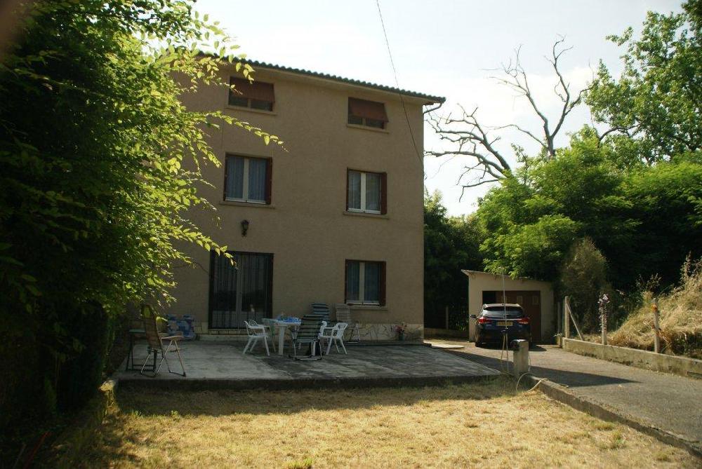 Vakantiehuis 7 Slaapkamers : Uniek vakantiehuis met slaapkamers in de midi pyreneeën gers
